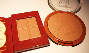Bourjois – Bronzing Powder vs. Maxi Delight Bronzer