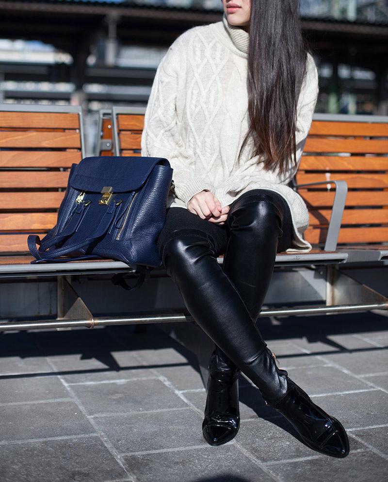 Flache-Overknees-und-Oversized-Pullover