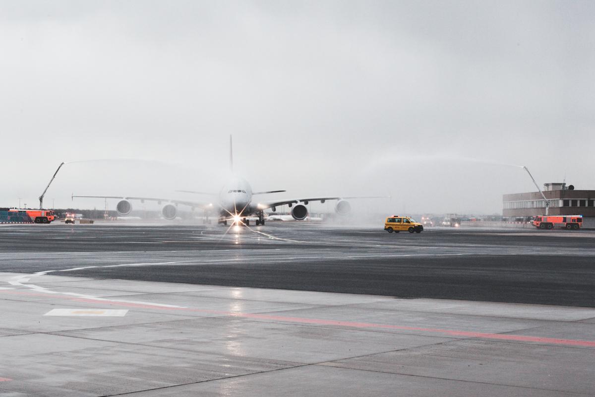 Erstflug des neuen A380 von Asiana Airlines landet in Frankfurt
