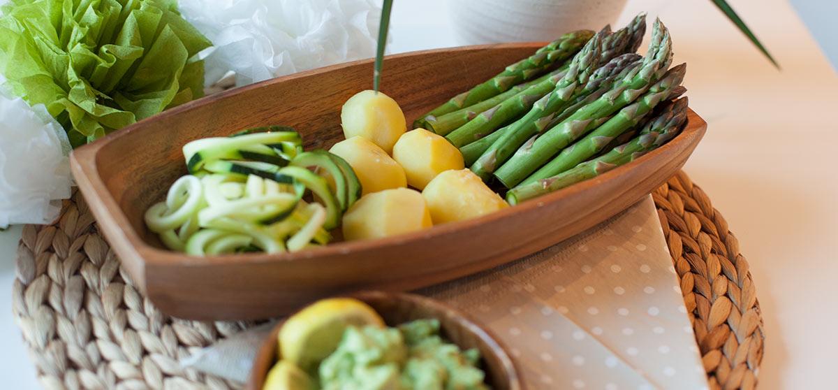 Spargel mit veganer Avocadosoße