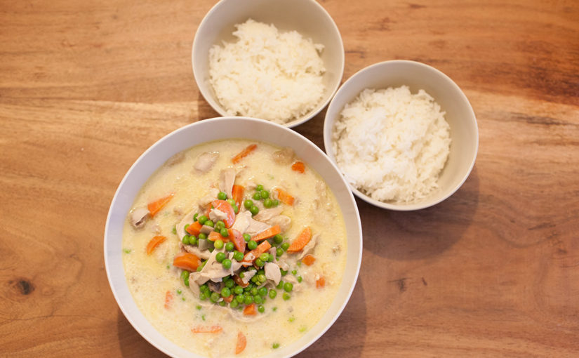 Rezept: Essen für gestresste Vollzeitkräfte: Hühnerfrikassee mit Erbsen, Karotten und Champignons